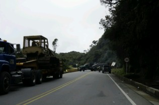 Un camion, renverse malgre toute sa prudence